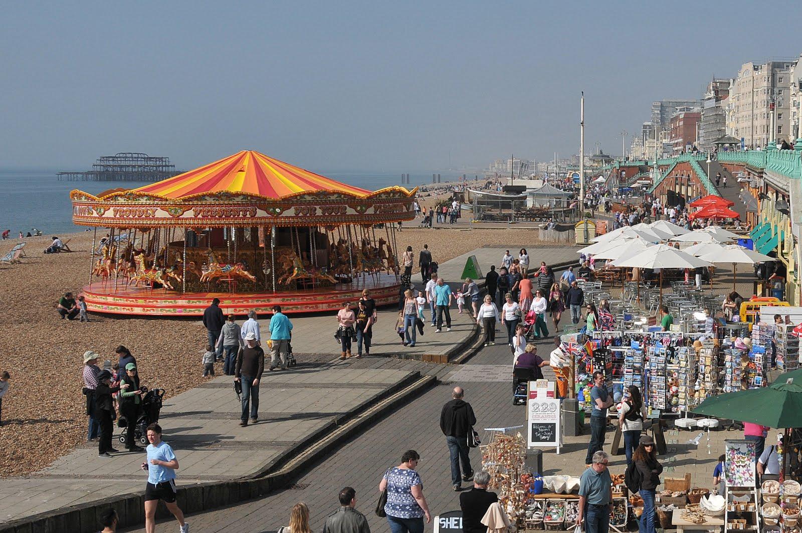 Slideshow image:Sunny Brighton seafront