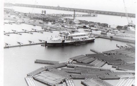 Can you name this boat at Brighton Marina?