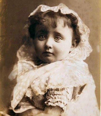 Eneis de la Grave born 1881   Brighton and Hove Museum