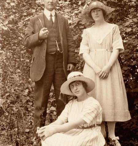 Ernest, Janie and Agnes in the 1920s   Brighton and Hove Museum