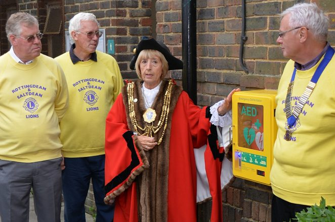 The Mayor Councillor Lynda Hyde pictured with members of Rottingdean & Salltdean Lions Club | ©Tony Mould: images copyright protected