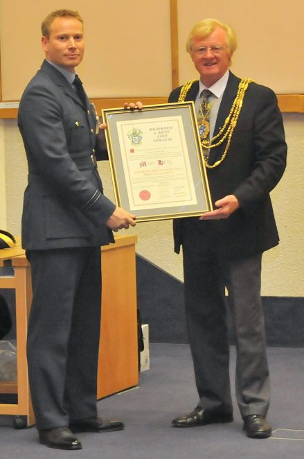 Flight Lieutenant Marc Heal and Councillor Geoffrey Wells | Photo by Tony Mould