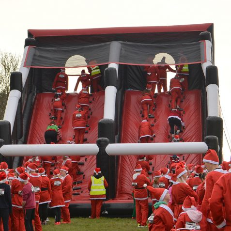 Inflatable Santa Run: ©Tony Mould
