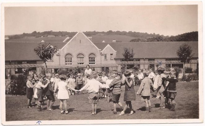 c1936 Moulescoomb Infant School. Click on image to open a larger version in a new window. | From the private collection of Carole Barrow