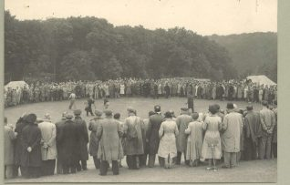 Henry Cotton putts out on the final hole before a large crowd | HPGC Archive
