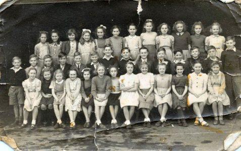 Class photograph 1948/49