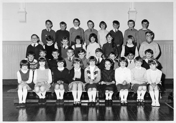 Class photo 1965-1966 | From the private collection of Martin Harvey