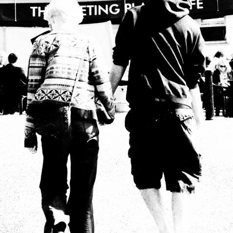Hand in hand | Copyright Julie Tierney 2009