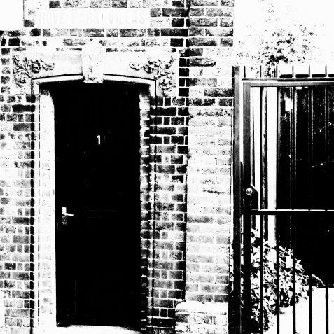 1 Hove Park Villas | Copyright Julie Tierney 2009