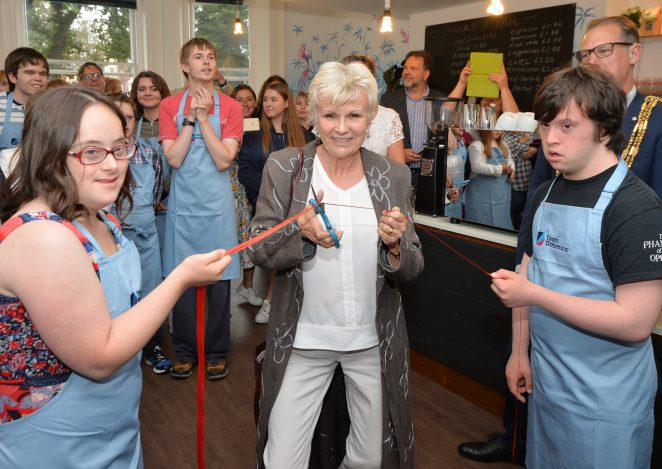 Julie Walters cuts the ribbon | ©Tony Mould: all images copyrighted