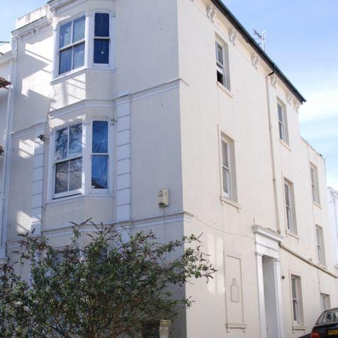 31 Buckingham Road, former home of Aubrey Beardsley   Photo by Tony Mould