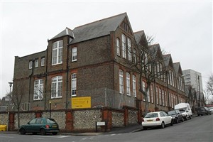 Downs School | Wikipedia Commons: Photographer - Hassocks5489