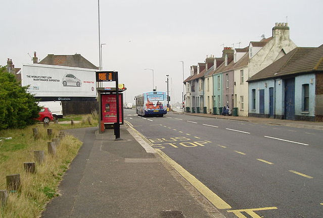 Wellington Road: Portslade | ©Peter Holmes: Creative Commons Attribution Share-alike license 2.0