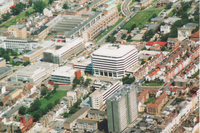 Aerial view of Amex House, 1991 | Picture contributed on 11-05-04 by Ian McKenzie, from private collection