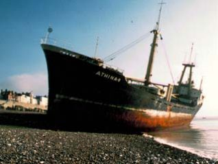 Athina B shipwreck on Brighton beach | From a private collection