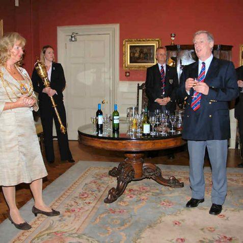 Retiring Chairman, Bob Sansom thanks the Mayor for her hospitality | Photo by Tony Mould