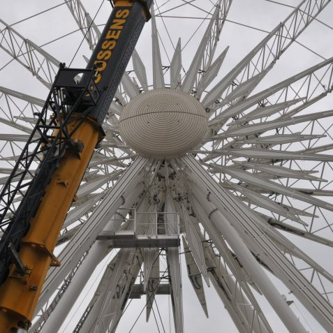 Construction of The Brighton Wheel- click on image for large version | Photo by Tony Mould