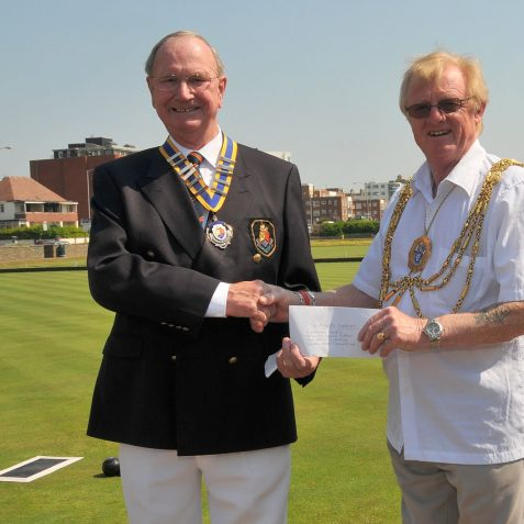 A cheque for the Mayor's charities from Hove and Kingsway Mens Bowls Club | Photo by Tony Mould