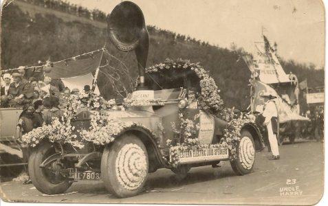 Decorated car at Brighton Carnival 1923.
