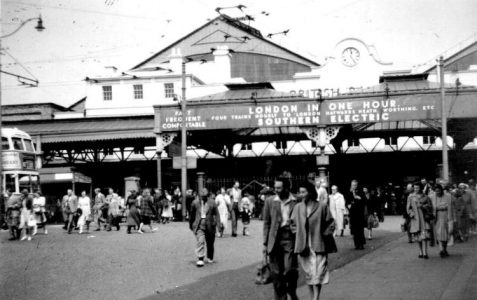 Day trippers in the 1950s