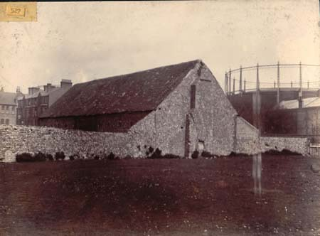 Barn, south of Church Road, Hove, 1892 | Image reproduced with permission from Brighton History Centre