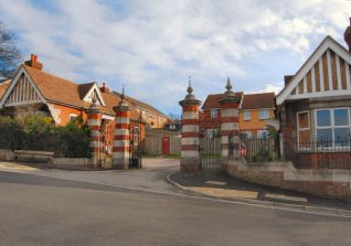 Meadowview estate showing original Bevendean Hospital gates | Photo by Tony Mould