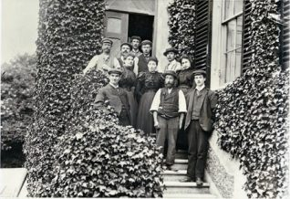 Gordon's grandmother, in the centre, on the steps of Preston Manor | Reproduced courtesy of  Royal Pavilion, Libraries & Museums, Brighton & Hove