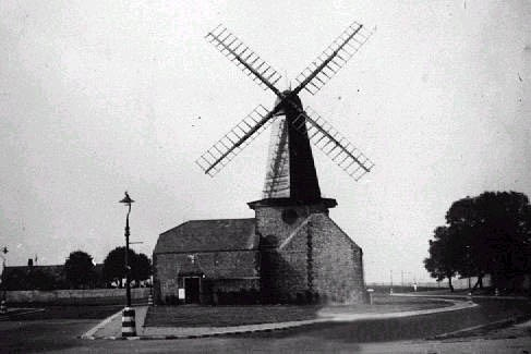 Photo of Blatchington Mill circa 1945 | Supplied to website by Ray Hamblett, 12-01-03