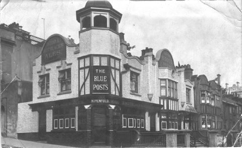 Blue Posts Tavern | The photo of the Blue Posts public house was supplied by Janet Considine and taken around 1920