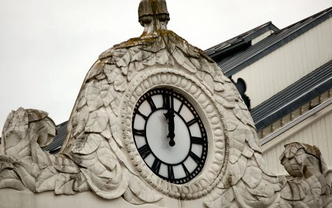 Mystery clock number 1