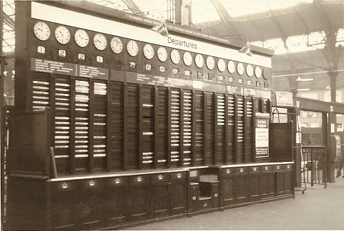 Arrivals and departures board at Brighton Station | Photo by Jim Type