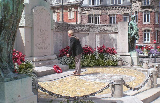 The Mayor of Brighton and Hove, Councillor Geoffrey Wells lays a wreath in Dieppe | Photo by Bob Lampert