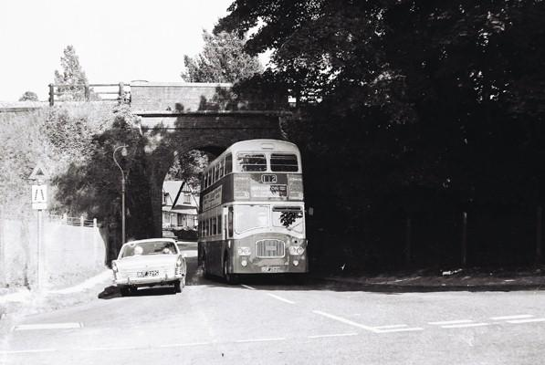 The photo shows the bridge with a Southdown 112 bus, taken in 1967. | Photo from the private collection of Martin Nimmo