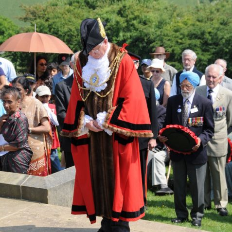 The Mayor of Brighton and Hove, Councillor Garry Peltzer Dunn, pays his respects | Photo by Tony Mould