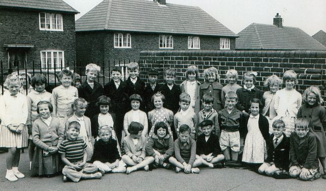 Class 3 1960 St Peter's Infant School, Portslade, Sussex | From the private collection of Martha Hooper (nee Sands)
