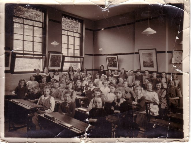 Coombe Road School c1920/21: click on the image to open a large version in a new page. | From the private collection of Maureen Sweet