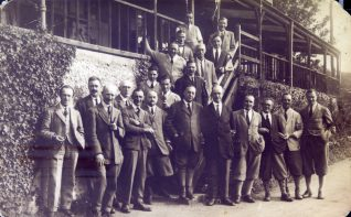 A gathering of members outside the clubhouse   HPGC Archive