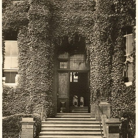 The main entrance and porch c. 1920s | From the private collection of Edward Cudlip