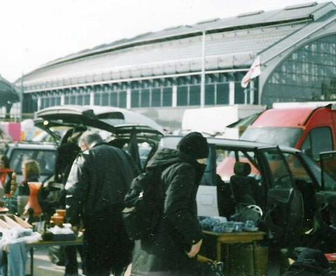 New streamlined car boot sale site - upper level of station car park (Spring 2005) | Photo by Ninka