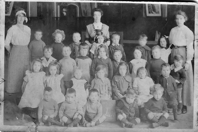 St John Carlton Hill School class photo c1914 | From the private collection of John Mason