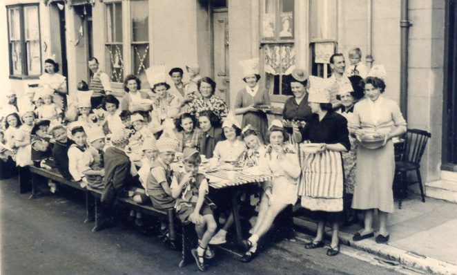 1st boy on bench Tony Worsfold, then me, 1st girl back bench is Molly Harding, 2nd is Madge Gunn, 4th is Jean Hammond 5th is possibly Violet Bishop | From the private collection of C.West