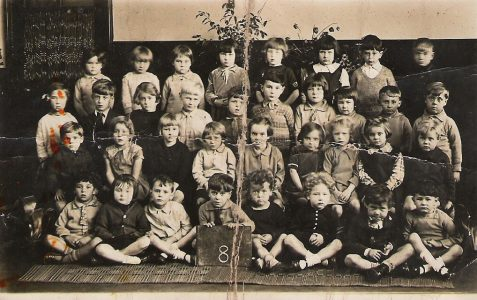 Infants class photograph 1930/31