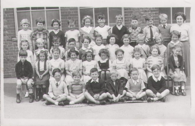 Downs County Primary class | From the private collection of Len Liechti
