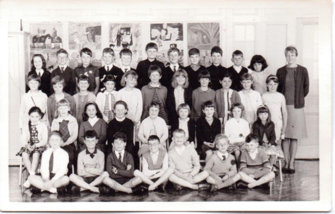 Miss Weatherley's Class VI 1966 | From the private collection of Graham Maskell