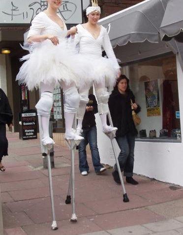 Stilt walkers | Photo by Tony Mould