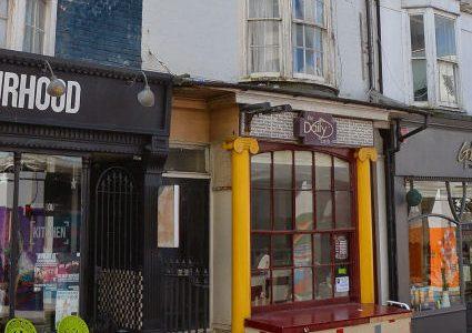 102 St James's Street