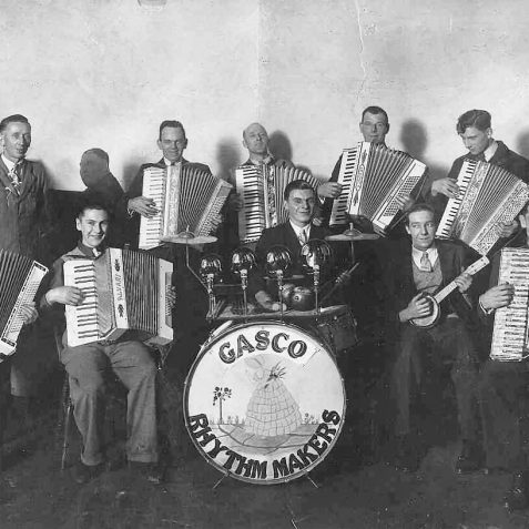 Harry Upward (centre back row, accordian player.Gasworks Band c.1932 | From the private collection of Keith Upward