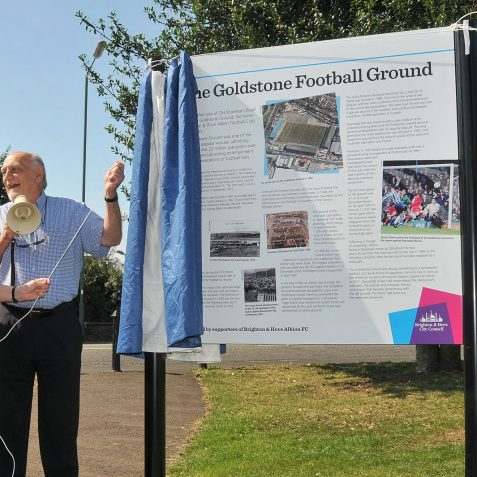 Dick Knight, now Life President of the club, aided by the Mayor Councillor Anne Meadows, performed the unveiling