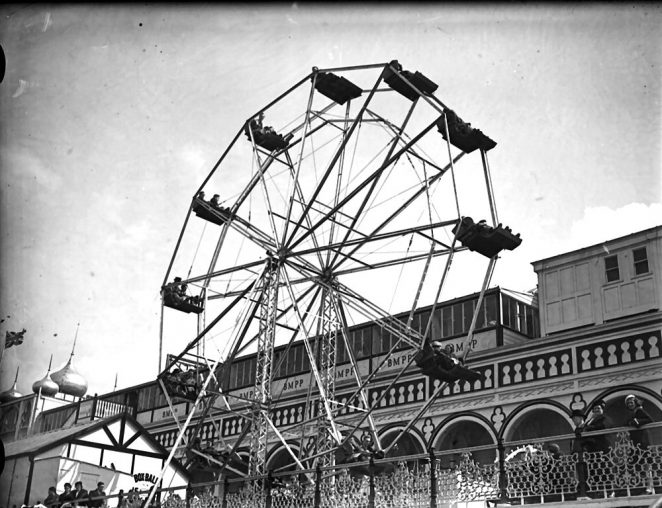 The 'Great Wheel' photographed on the Palace Pier in 1938 | Royal Pavilion and Museums Brighton and Hove