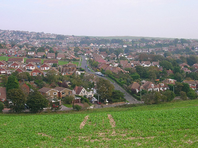 View of modern Woodingdean from Happy Valley | © Simon Carey: Creative Commons Licence.